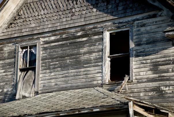 broken windows, abandoned house