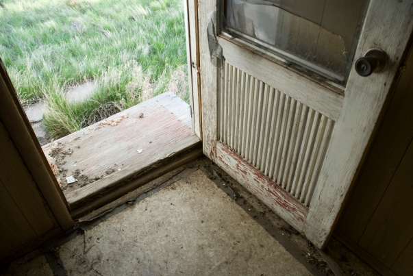 broken door, open